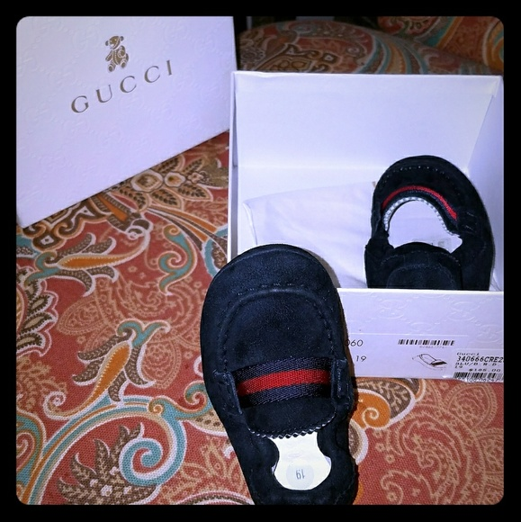 33608b95 Gucci loafers infant sz 19 navy Authentic
